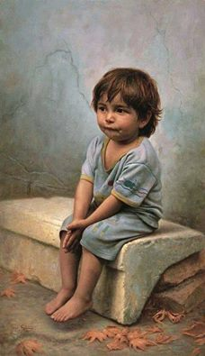 طفل صغير حزين
