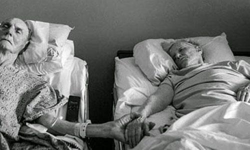 قصة حب حقيقية شهدتها مدينة كاليفورنيا عن زوجين ظلا علي العهد حتي الموت