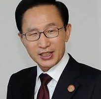 قصص كفاح قصة نجاح رئيس كوريا الجنوبية الذي كان عامل نظافة في بداية حياته