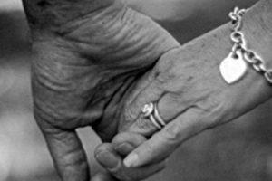 قصص غرام بين زوجين لم يرزقهما الله بالأطفال مؤثرة جداً وجميلة فعلاً