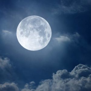 قصة ويحكي القمر حكاية جميلة للاطفال بقلم : مجدي محمود الفقي