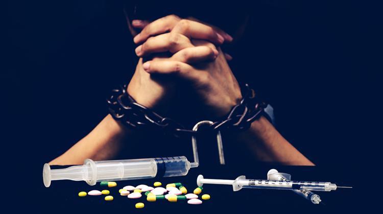 قصص مؤثرة ومؤلمة من عالم المخدرات