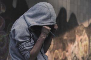 قصص-مؤلمه-من-عالم-المخدرات