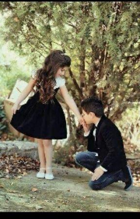 ولد يقبل يد بنت