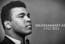 """الملاكم الأمريكي المسلم """"محمد علي كلاي""""."""
