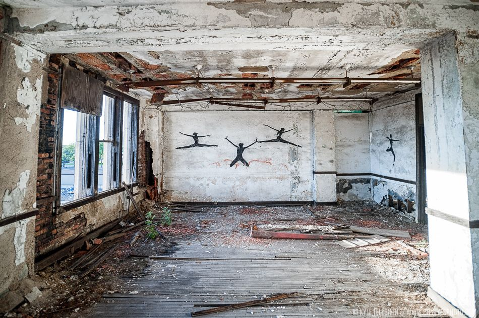 الغرفة الغامضة في المدرسة