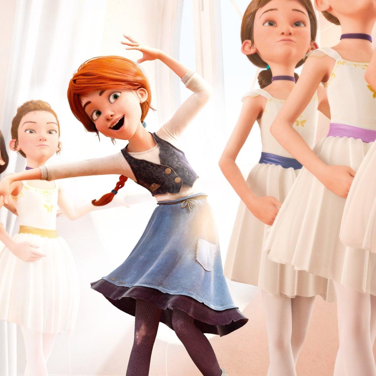 فيليسي تحاول أن تتماشى مع رقص رفيقاتها بالصف.