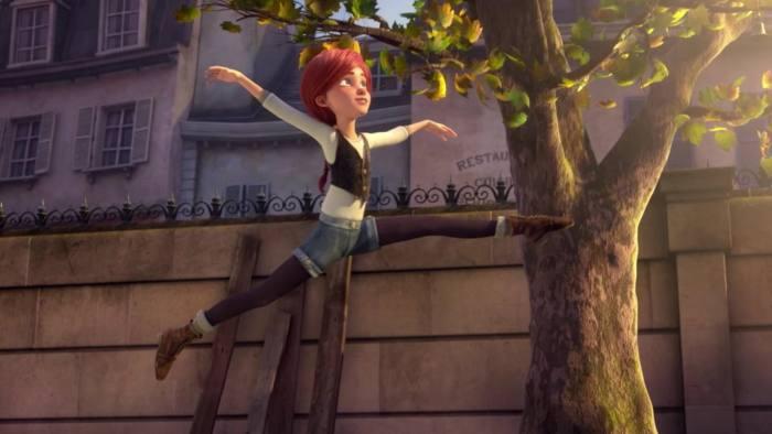 أوديت تعلم فيليسي أصول الباليه.