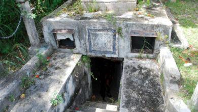 مقبرة مخيفة.