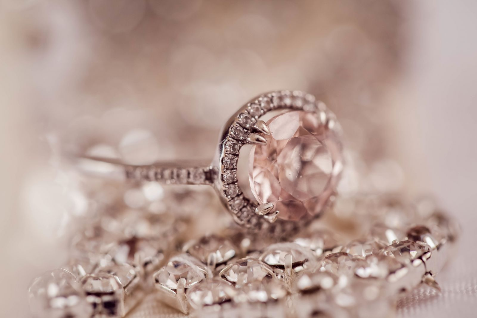 خاتم زفاف ألماس