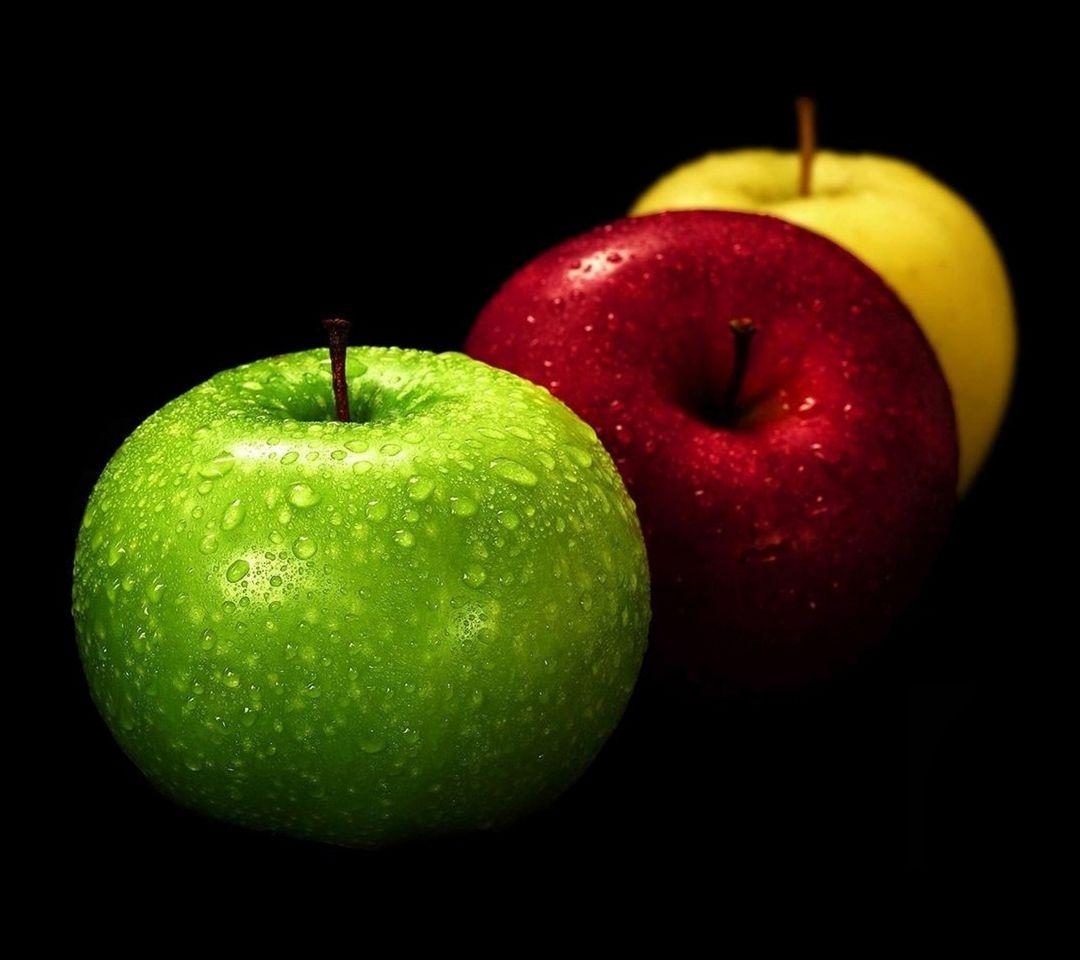 تفاح مختلف الألوان