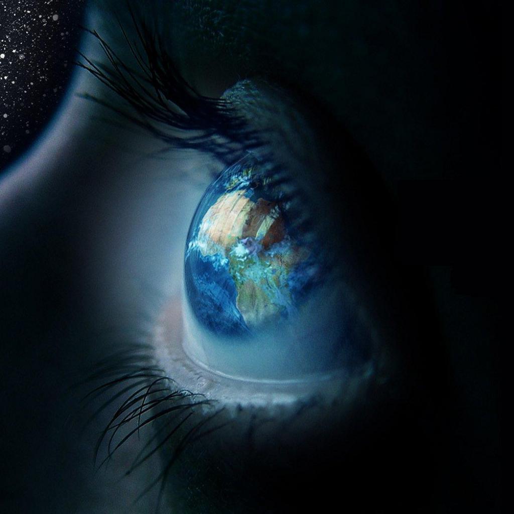 صورة عين زرقاء