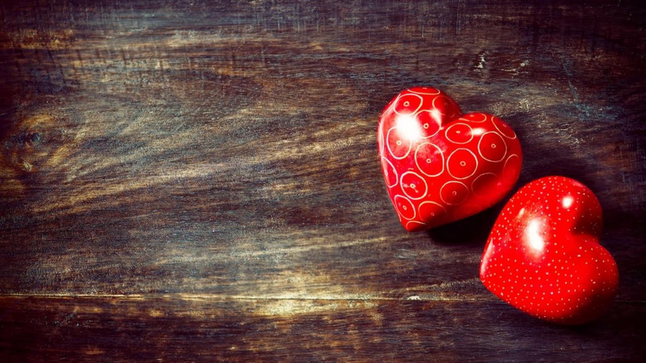 صورة قلوب حمراء